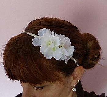 505df3332 Čelenka Romantické květy